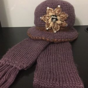 Accessories - Purple hat and scarf